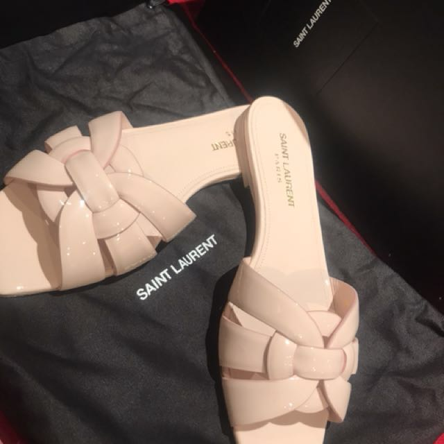NEVER WORN AUTHENTIC YSL SLIDES SIZE 37