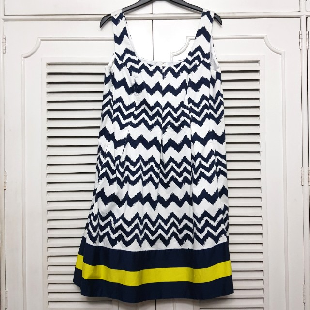 Plus size Geometric Print Dress with Lining