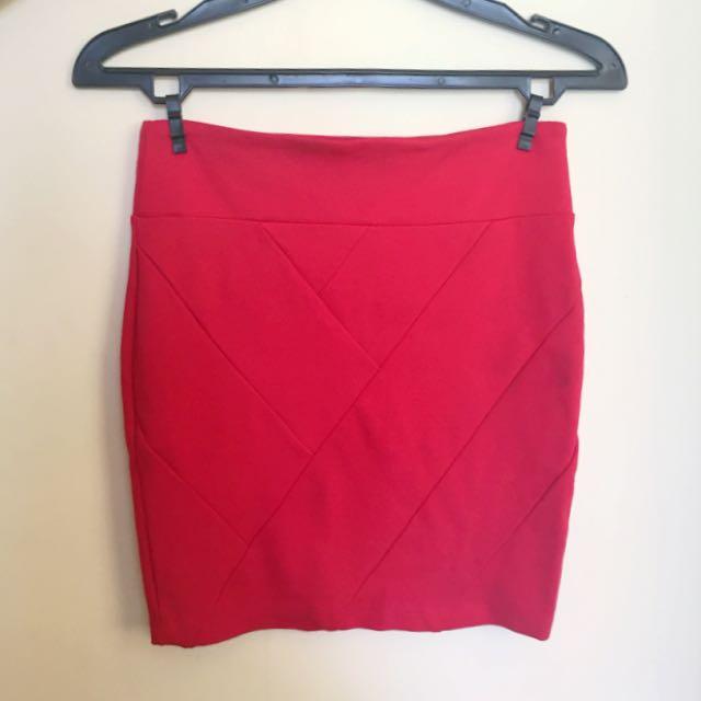 Red Skirt Stradivarius