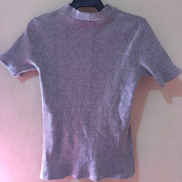 Semi turtle neck gray blouse