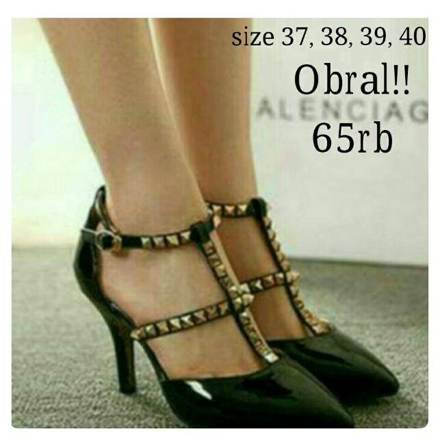 Sepatu valent hitam