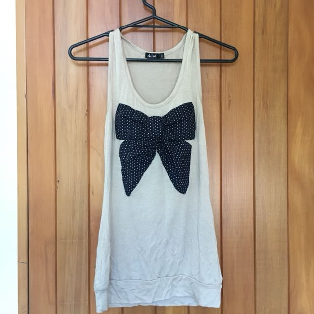 Tank top with ribbon