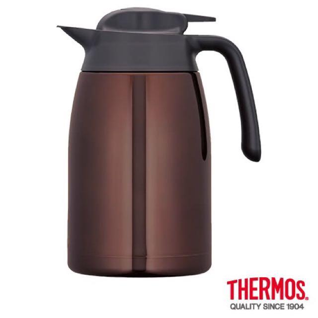日本購回THERMOS膳魔師不鏽鋼真空保溫壼1.5L THV-1500-CBW(咖啡色)