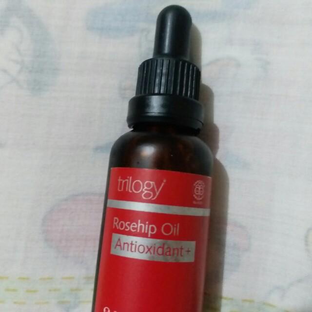 Trilogy antioxidant rosehip oil