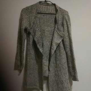 🚚 米白灰針織厚罩衫
