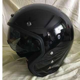 BNWB TRAX MOTORCYCLE HELMET C/W RETRACTABLE VISOR