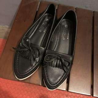 🚚 流蘇尖頭皮革質感懶人鞋 平底鞋