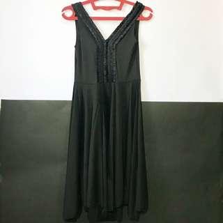 Black dress. Rp 50.000. Belom pernah dipakai