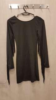 Black tassles dress. (Body con)