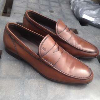 TODS Size 40.bahan kulit Made in italy Best kondisi