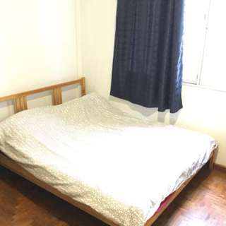 Air conditioned room close to town for rent