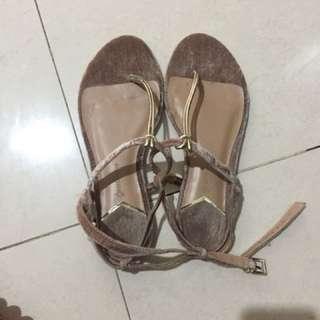 Stradivarius velvet sandal