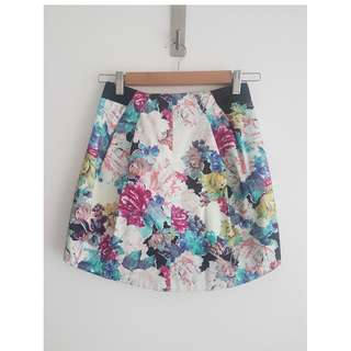 RODEO SHOW FLORAL PRINT SKIRT SIZE 6 BRAND NEW