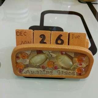 Amazing Grace 五餅二魚 萬年曆一個 (陶瓷)