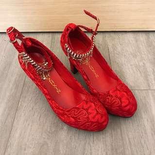 紅色高踭鞋