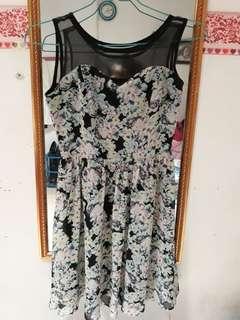 Dress / flower dress