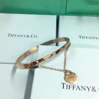 ✨Tiffany & Co. bangle  ✨high quality stainless  ✨580.00 ✨w/box & paper bag