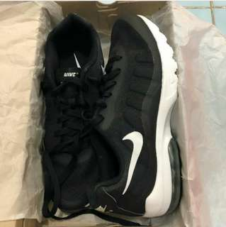 Nike Air Max Invigor Black White