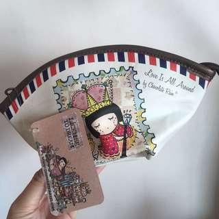 本地設計師chocoolate化妝袋,用量夠曬大,內是粉紫波波點。只拆袋影相