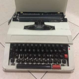 Mesin Ketik - Type writers