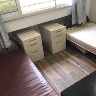 361 Woodlands Ave 5 Common Room for Rent