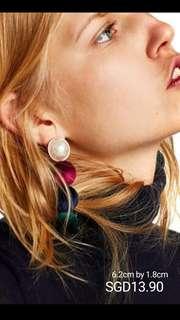 Pom Pom Earrings / Dangling Earrings