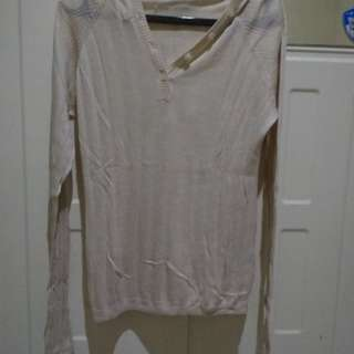 Baju putih tangan panjang