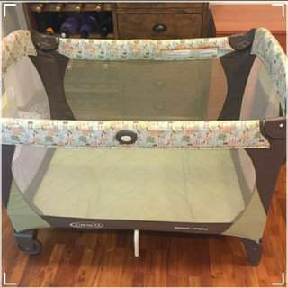 Used Graco play pen with new like mattress