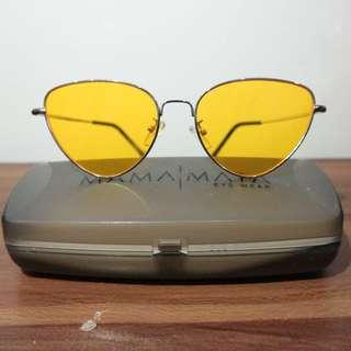Sunglasses yellow.