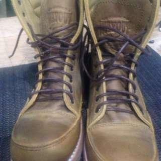 Wayout boots