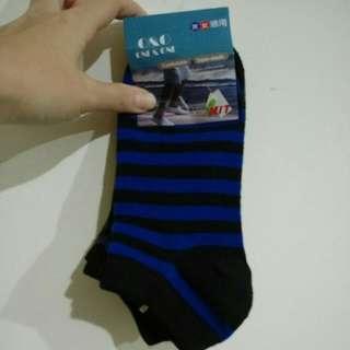 🚚 四雙襪子