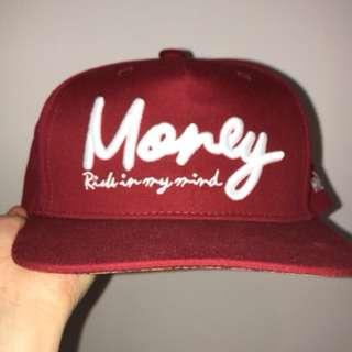 🚚 酒紅色MONEY版帽