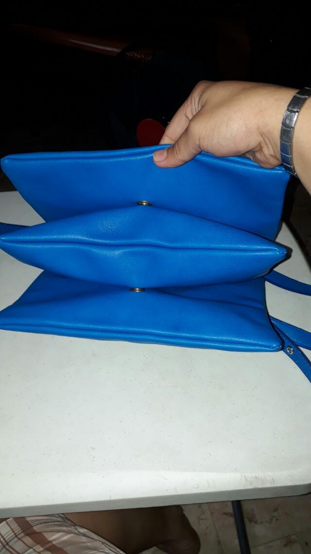 3 partition shoulder,sling bag!