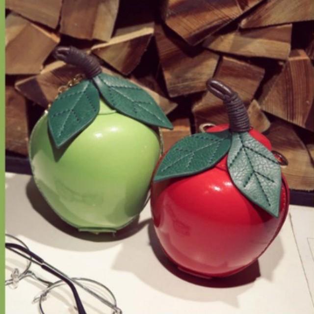 迷你可愛蘋果零錢鑰匙吊飾包(紅或綠)