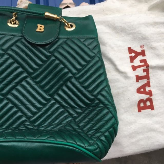 Bally Sling Bag (Emerald / Green, Quilted)