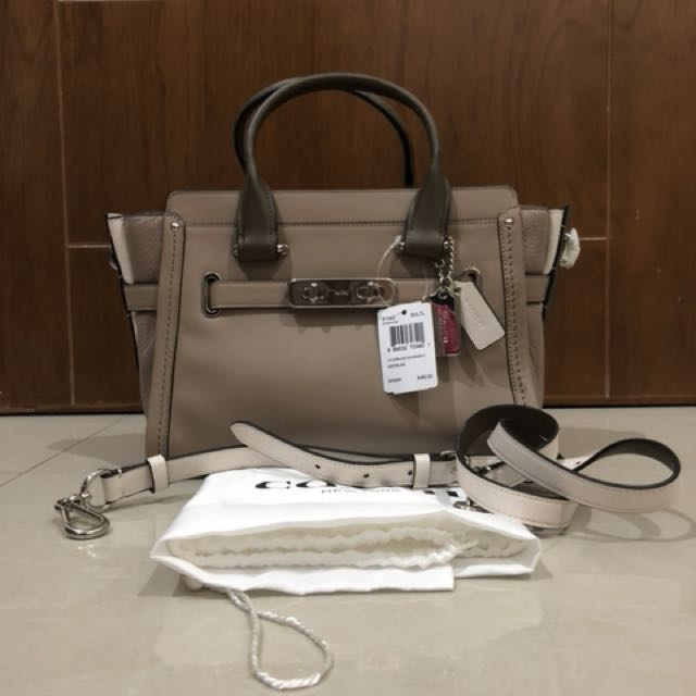 BNWT Coach Swagger 27 Colorblock Leather Stone/ Silver