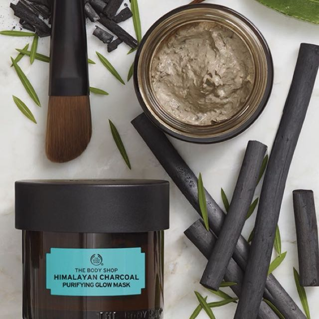Body shop Charcoal face mask