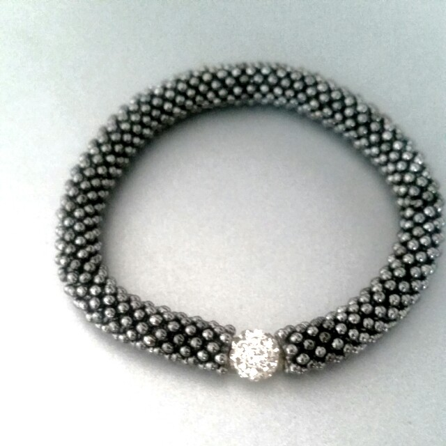 Bracelet with sparkly elements