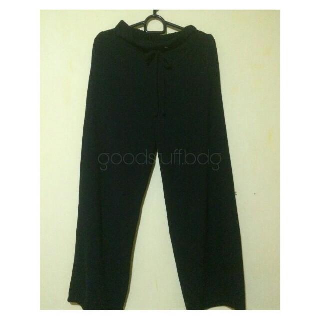 Celana kulot hitam