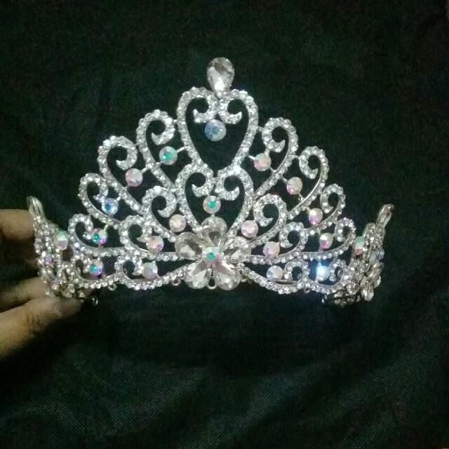 Crown wedding