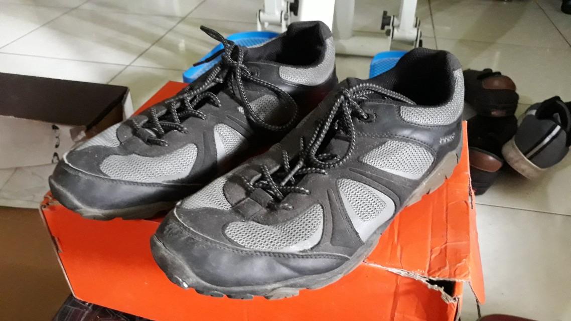 bf8ef51cba2e FILA Everest Hiking Shoes