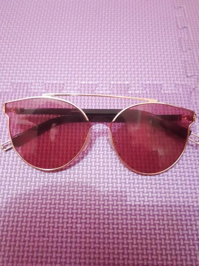 Kacamata Vintage Red