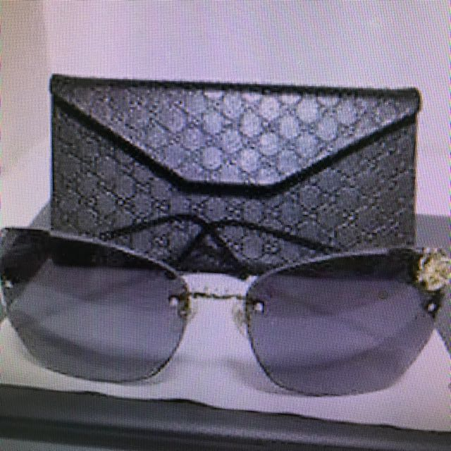 467243aaef Limited Edition Gucci Sunglass With Butterfly Motif