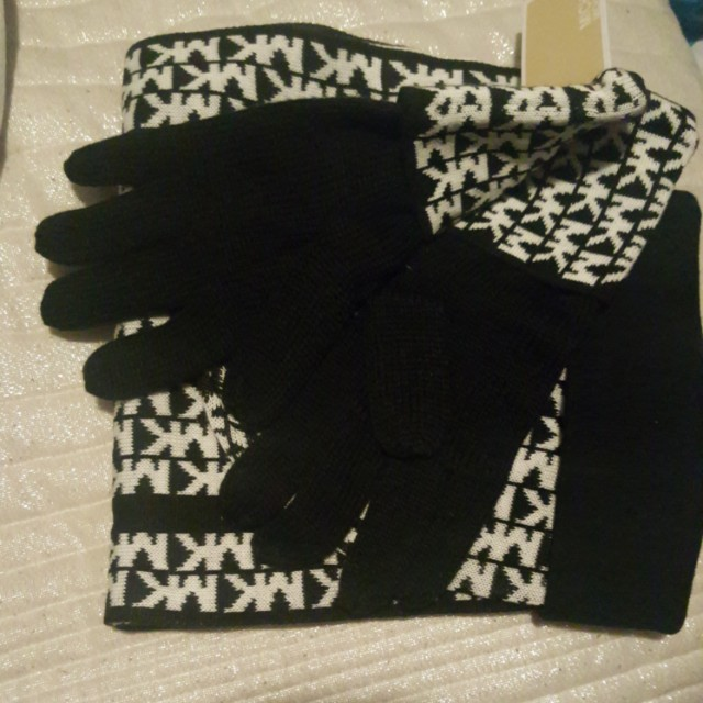 Michael Kors black and white winter set