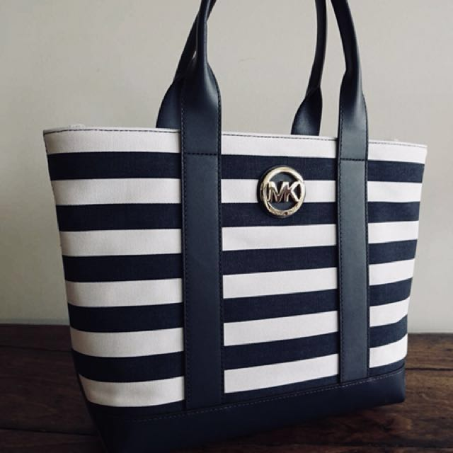 Mk Michael Kors brand new Fulton black n white strip
