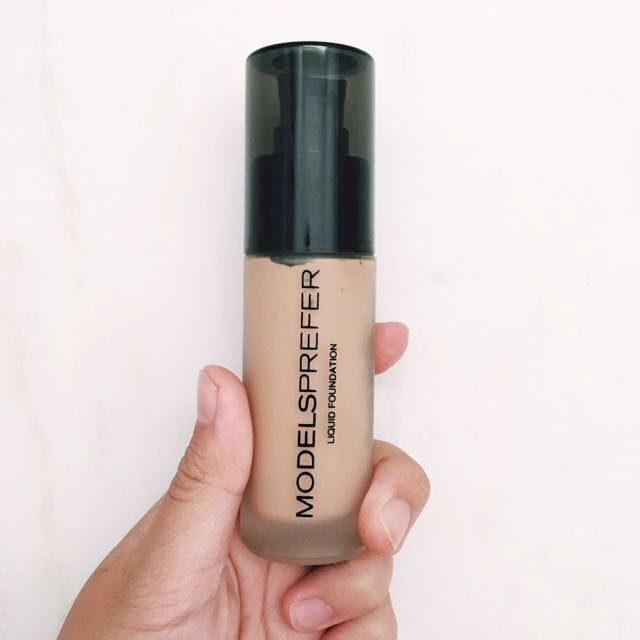 Models Prefer - Matt Liquid Foundation (amber)