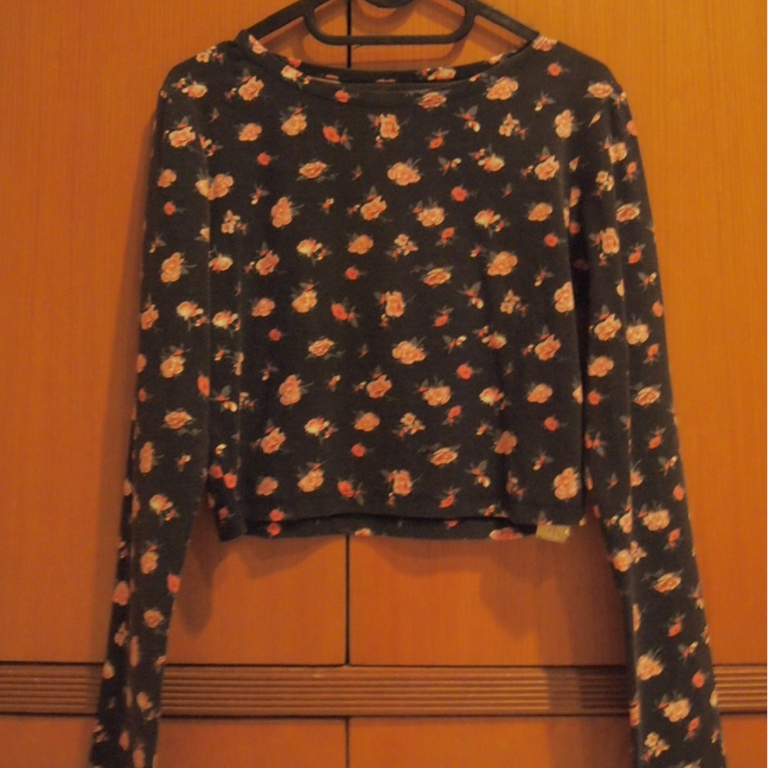 Navy Flower Crop Top