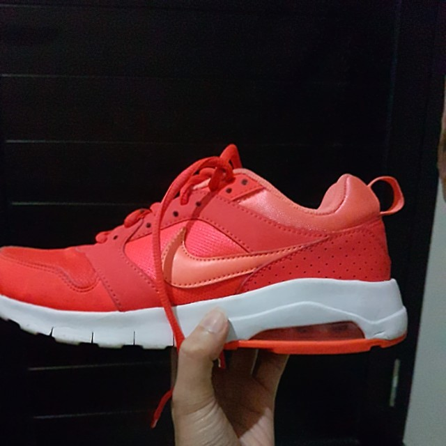 Nike run shoes
