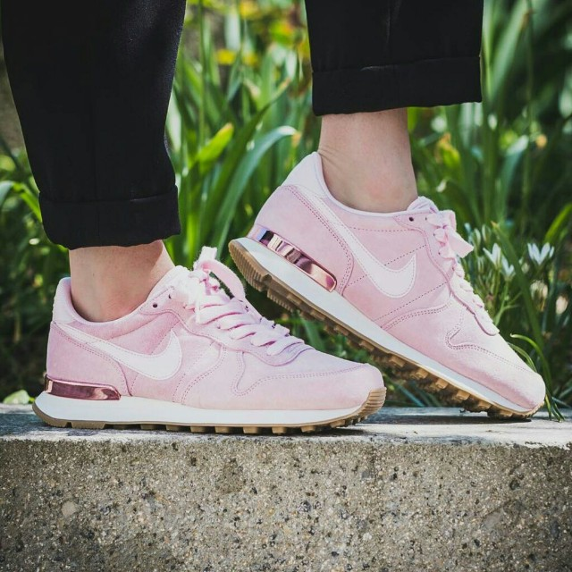buy online arriving to buy Nike WMNS Internationalist SD