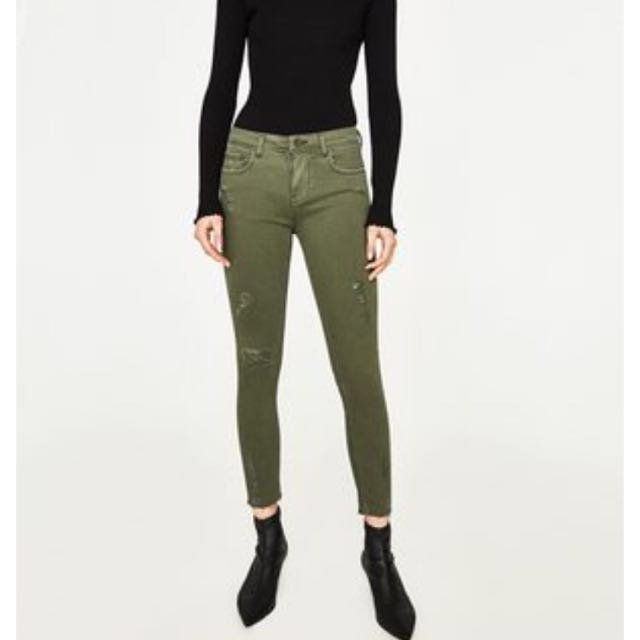 1e13d39c [SALE] BN ZARA Woman Premium Demin-Wear Collection Slim-Fit Slightly Ripped  Jeans in Khaki, Women's Fashion, Clothes, Pants, Jeans & Shorts on Carousell